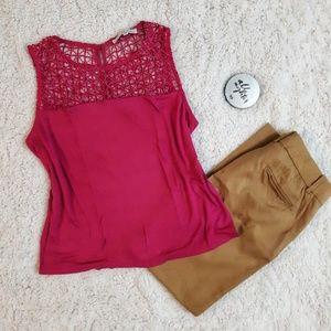 🔴 Magenta sleeveless blouse